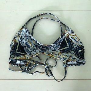 Jolyn Vent Top — Crystal Pattern